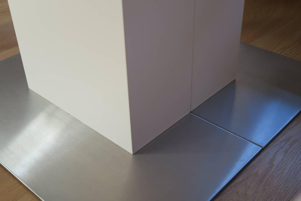 Ausziehbarer Esstisch mit Säulenfuß:  Esszimmer von T-raumKONZEPT - Interior Design im Raum Nürnberg