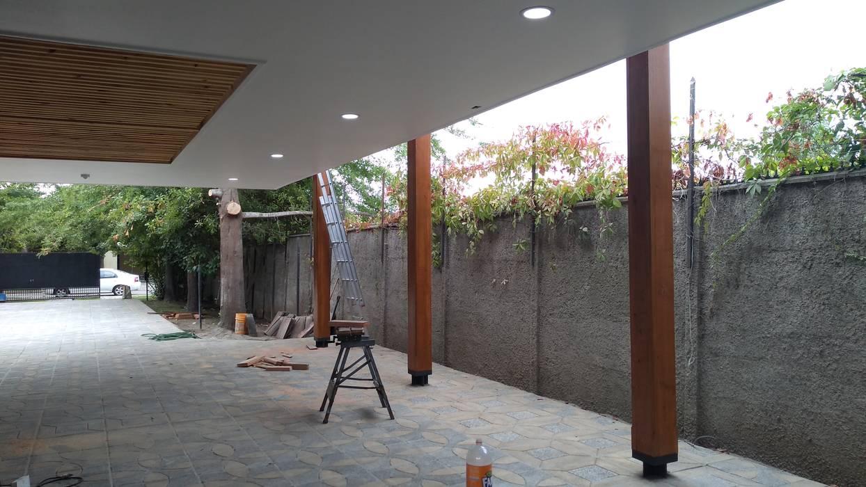 Diseño y construcción de Cobertizo - Juan Jara: Techos planos de estilo  por eco cero - Arquitectura sustentable en Talca, Moderno
