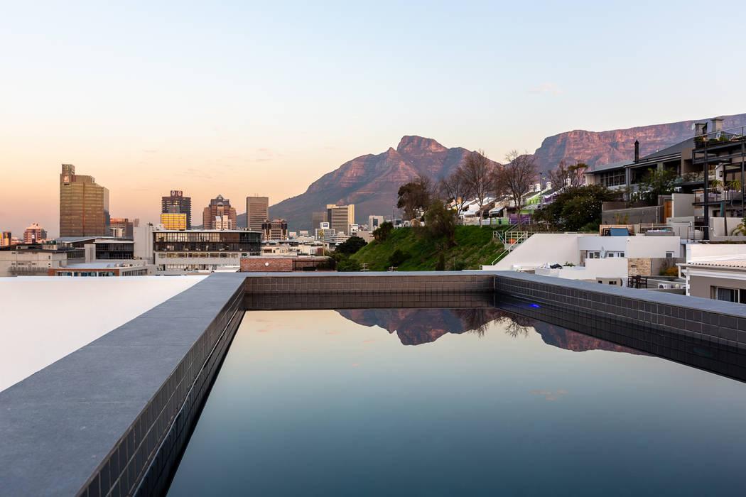 Piscinas de estilo minimalista de GSQUARED architects Minimalista
