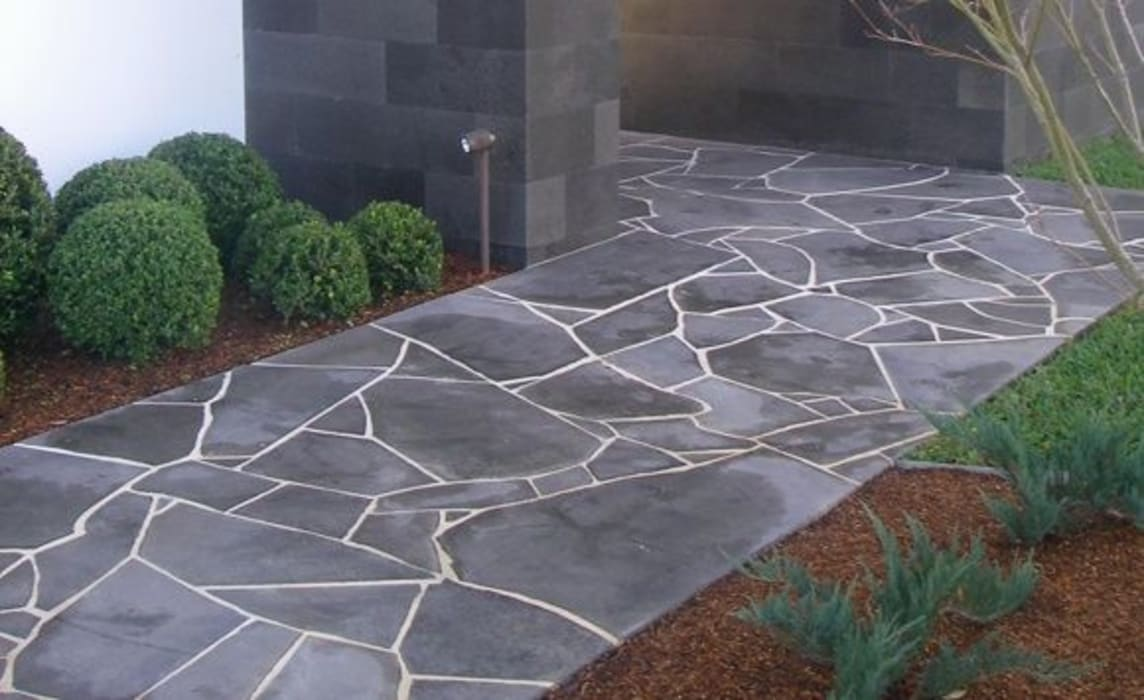 African Grey Crazy Paving (Flagstone):  Front yard by Persian Tiles, Modern Stone