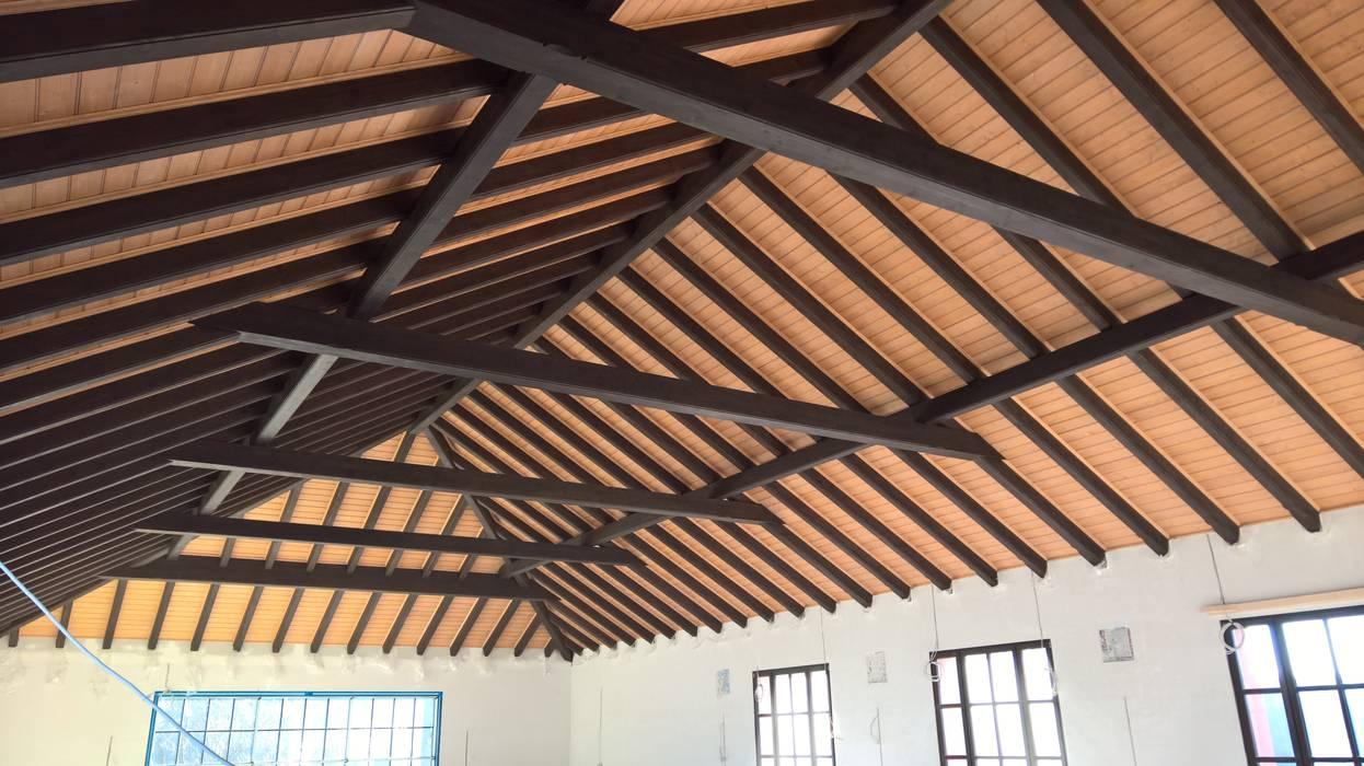 Deckenbalken und Holzdecke Rustikale Arbeitszimmer von Meyerfeldt Architektur & Innenarchitektur im Raum Hamburg Rustikal