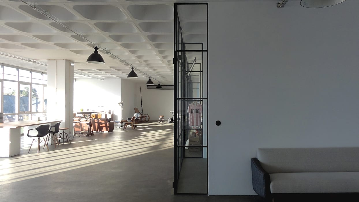 書房/辦公室 by FMO ARCHITECTURE, 工業風