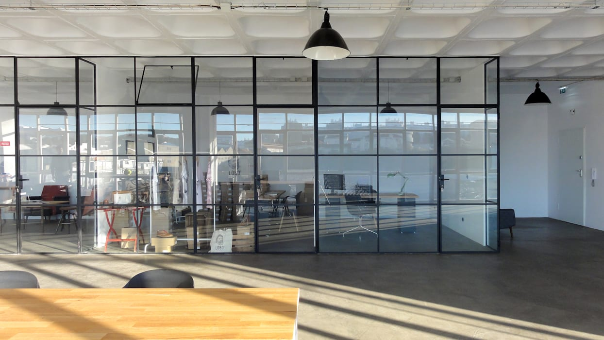 Gabinetes com parede/cortina de vidro Escritórios industriais por FMO ARCHITECTURE Industrial