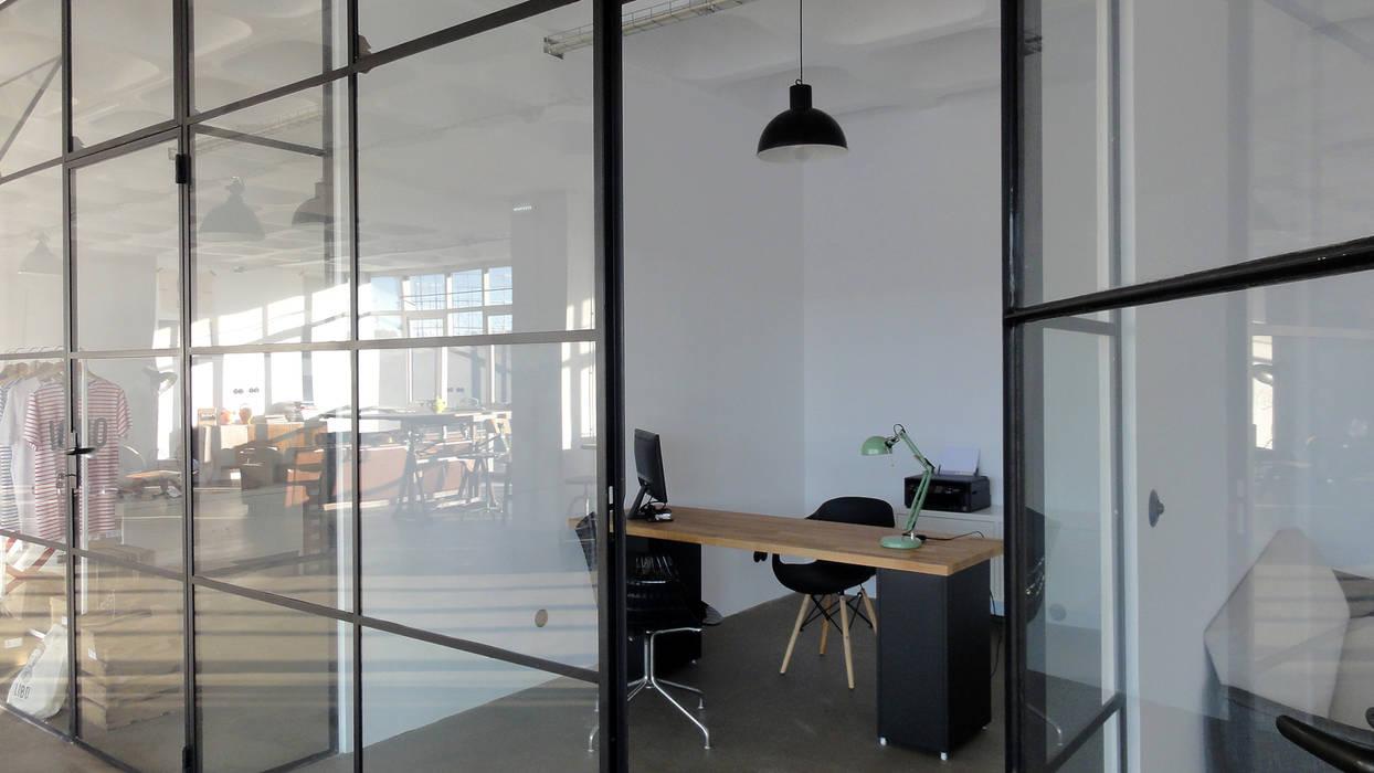 Gabinete standard Escritórios industriais por FMO ARCHITECTURE Industrial