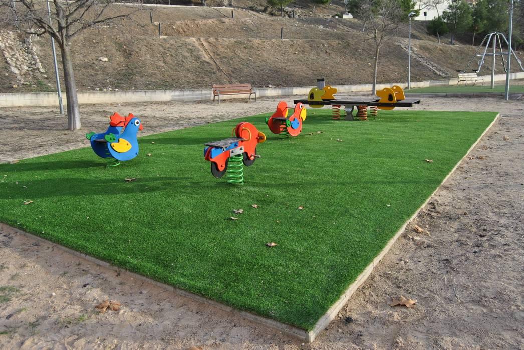 Solución para tus proyectos, Jardines de estilo moderno de Albergrass césped tecnológico Moderno