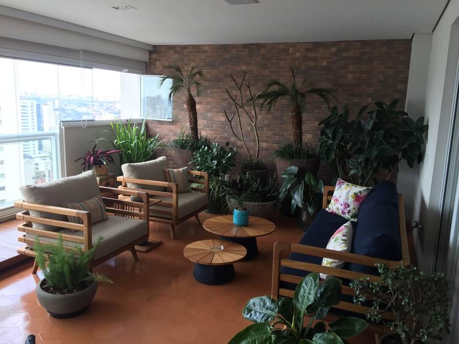 Balcón de estilo  por ABBITÁ arquitetura, Moderno