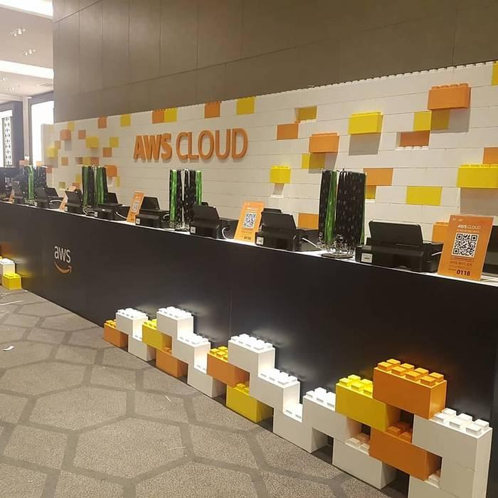 Moderne Veranstaltungsorte von EverBlock Systems Italia Modern