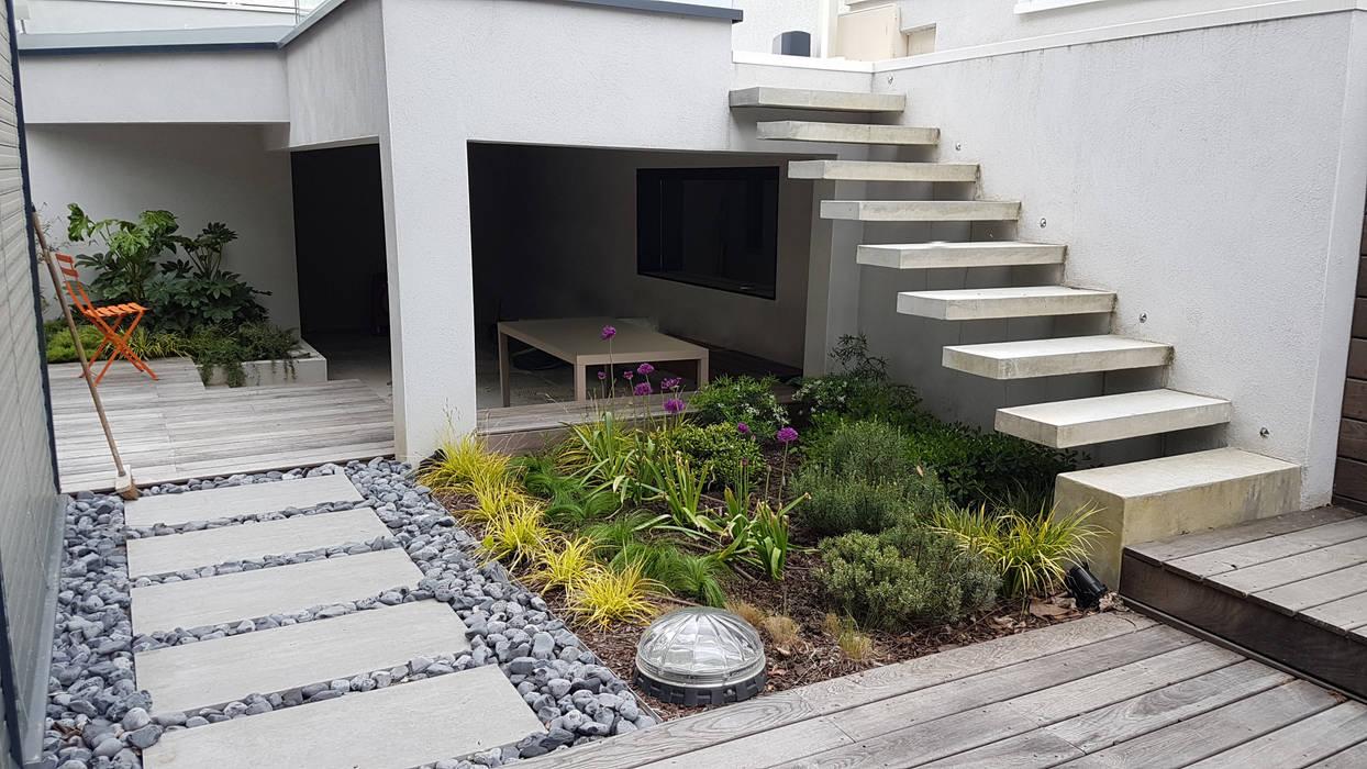 Jardin contemporain par créateurs d\'interieur moderne | homify