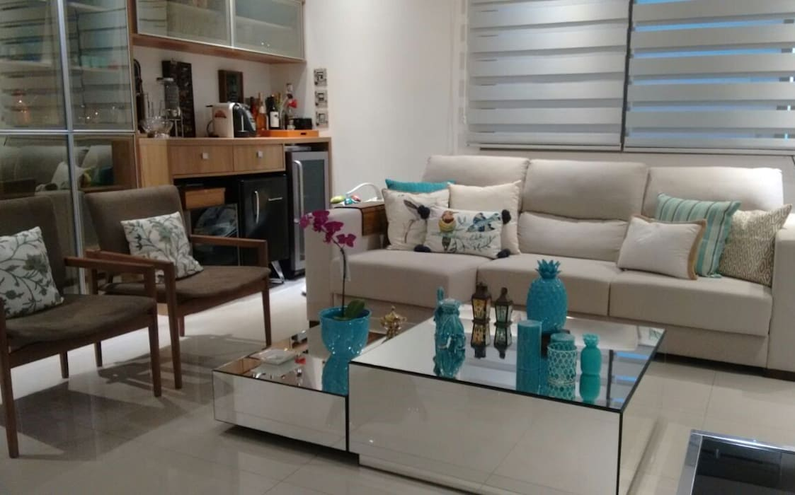 Izabella Biancardine Interiores Salas de estilo moderno