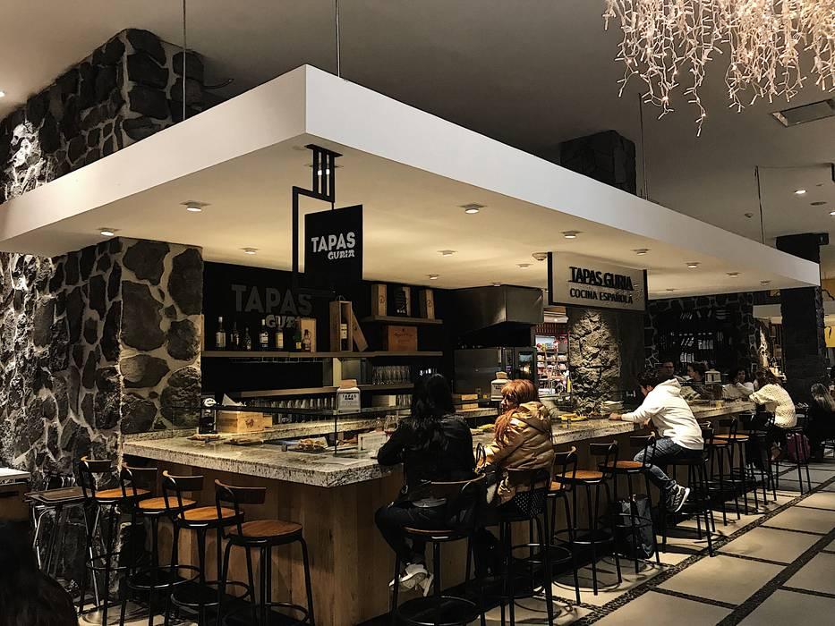 Tapas Guria - Perisur: Restaurantes de estilo  por Onno Arquitectos, Clásico