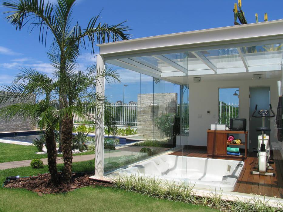 Hot tubs توسطViviane Cunha Arquitectura, کلاسیک