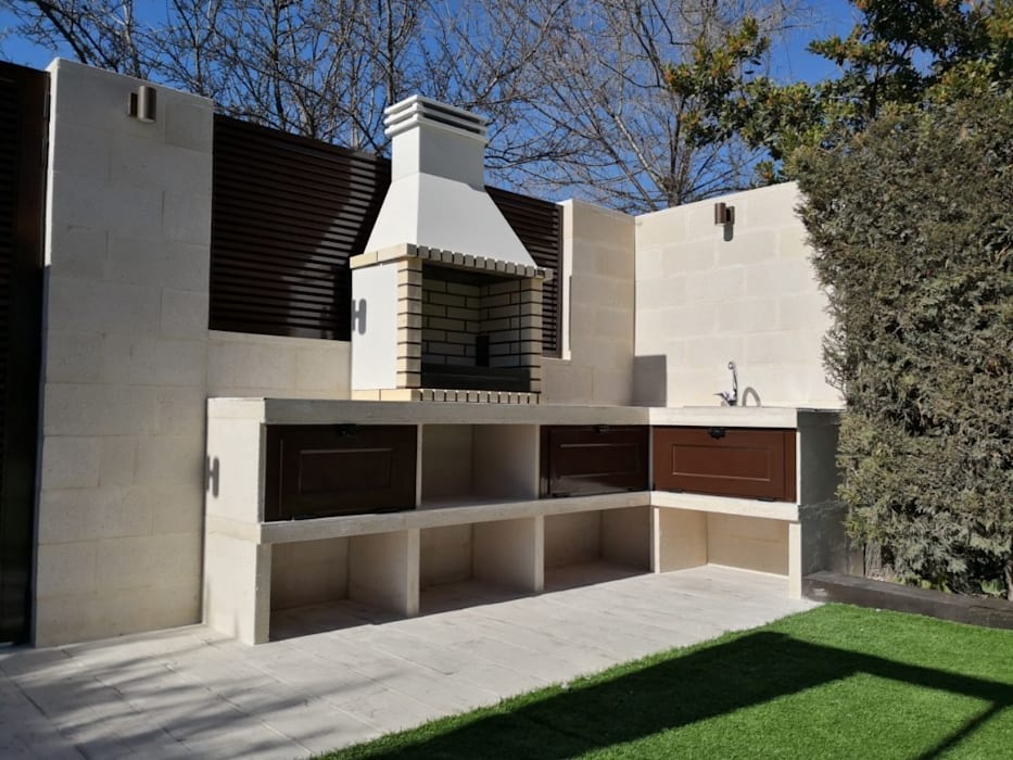 Nueva zona de barbacoa:  de estilo  de Almudena Madrid Interiorismo, diseño y decoración de interiores, Mediterráneo Aglomerado