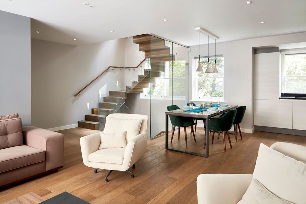 Open-plan living area:  Living room by Urbanist Architecture, Modern Wood Wood effect