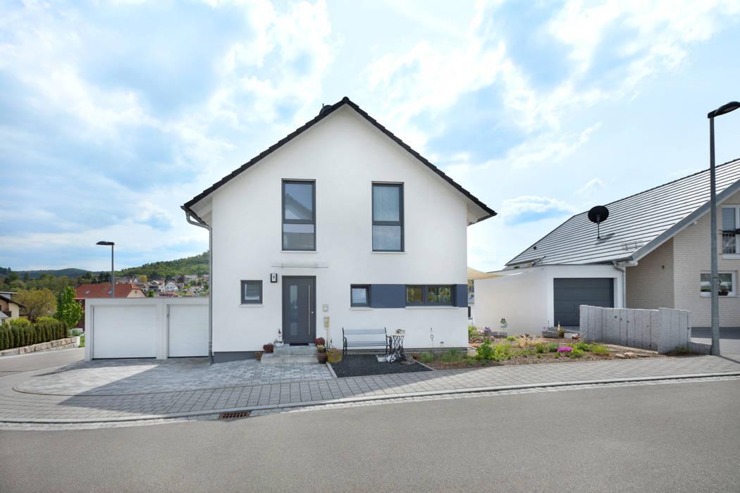 منزل جاهز للتركيب تنفيذ TALBAU-Haus GmbH , كلاسيكي