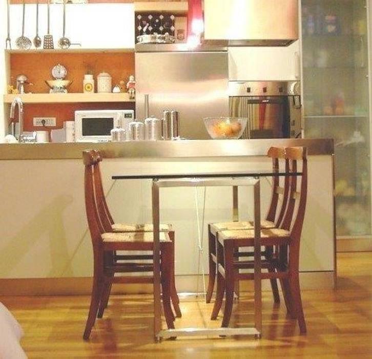 Tavolo inox e cristallo Cucina moderna di SteellArt Moderno