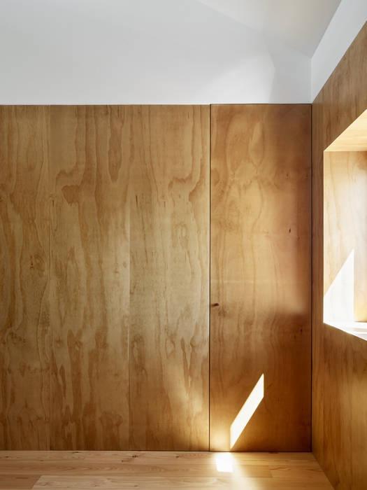 Oleh arriba architects Mediteran Kayu Wood effect