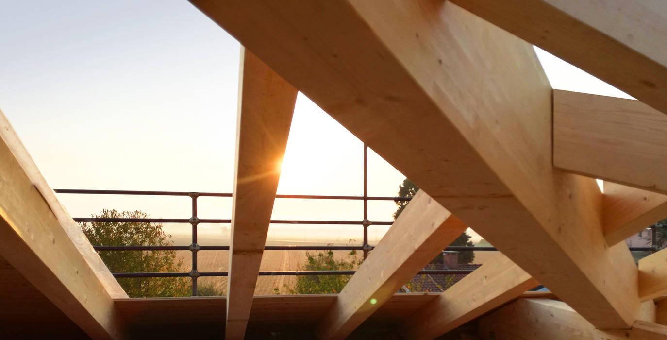 Single-family home renovation di Edoardo Pennazio Moderno Legno Effetto legno