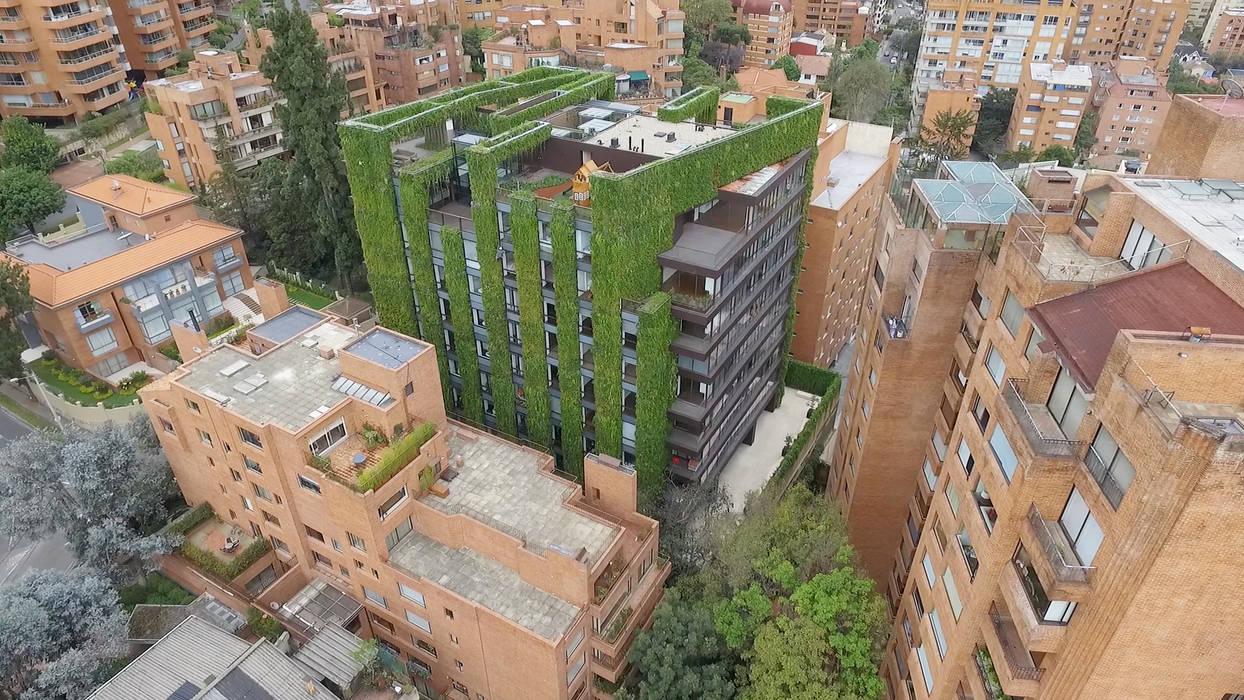 Santalaia: Jardines frontales de estilo  por GRONCOL,