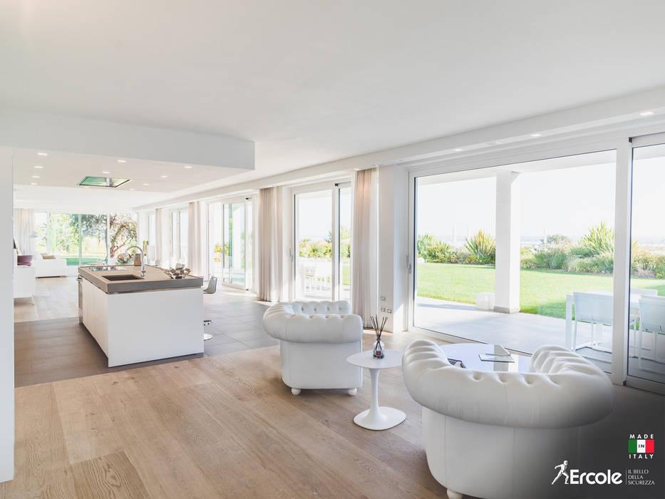 Parete vetrata Ercole Srl Finestre & Porte in stile minimalista Vetro Trasparente