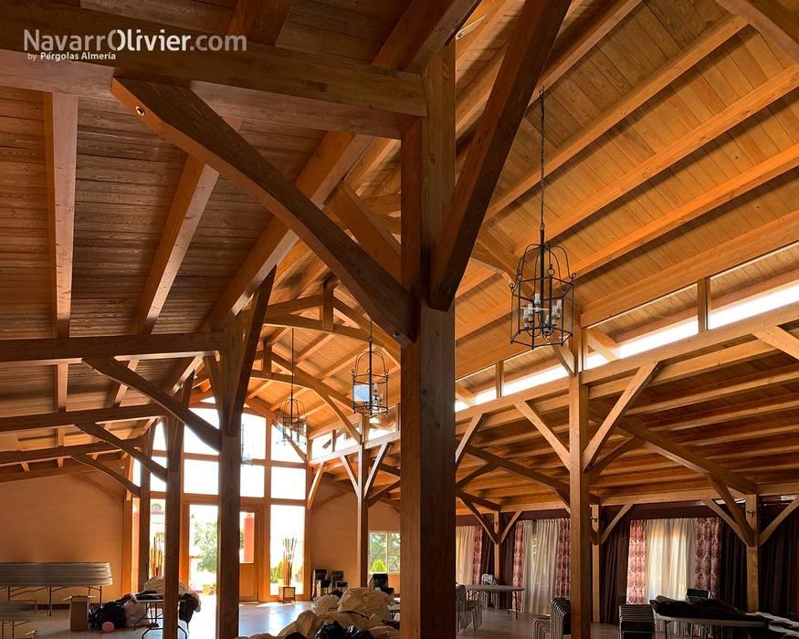 Estructura de madera laminada : Salones de eventos de estilo  de NavarrOlivier,