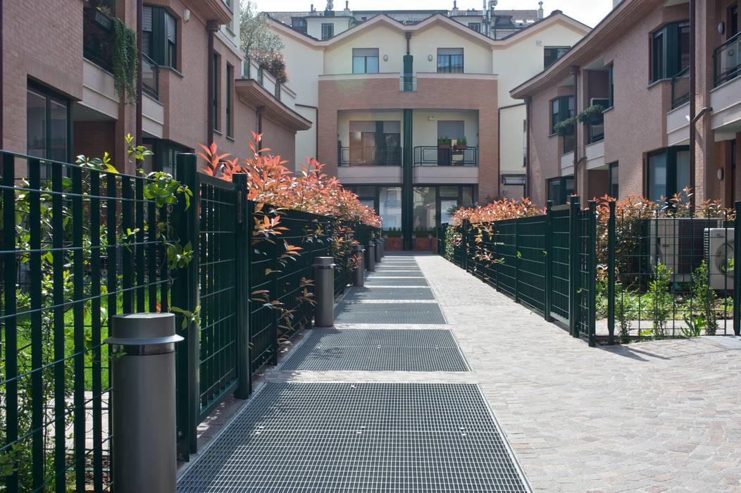 Condominios de estilo  por ENZO RANIERI, Mediterráneo
