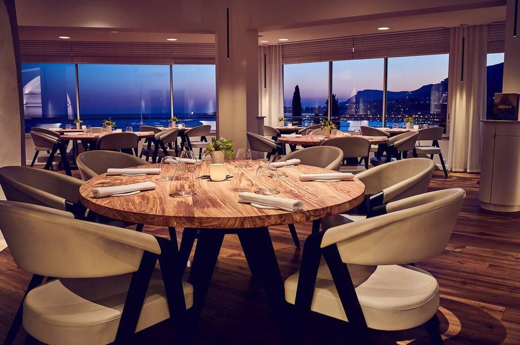 Un lieu d'exception avec un mobilier à la hauteur de ce décor magnifique:  de style  par Imagine Outlet, Moderne Bois Effet bois