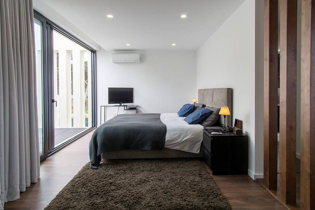 Bedroom by [i]da arquitectos, Modern