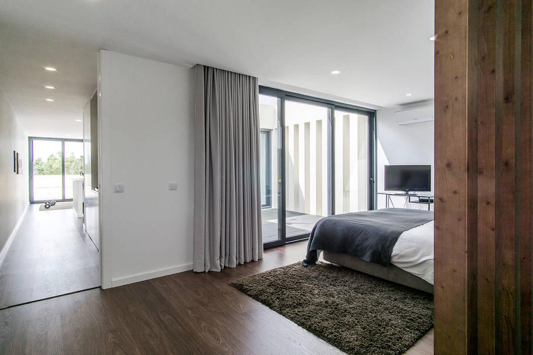 Schlafzimmer von [i]da arquitectos,