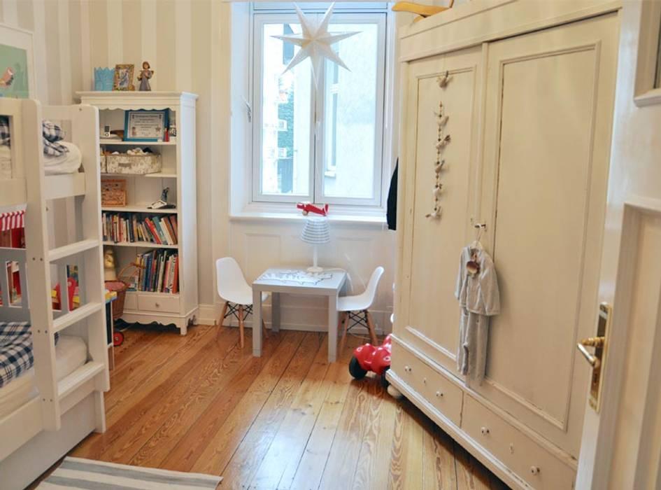 Projekty,  Pokój dla chłopca zaprojektowane przez Grace&Holmes