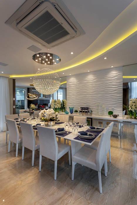 Casa Esplêndida: Salas de jantar  por Designer de Interiores e Paisagista Iara Kílaris,Moderno