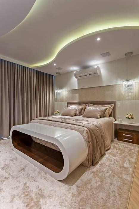 Casa Esplêndida: Quartos  por Designer de Interiores e Paisagista Iara Kílaris,
