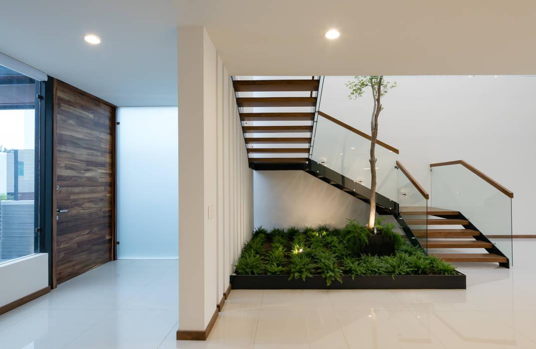 โดย SAUL LARA arquitectos โมเดิร์น