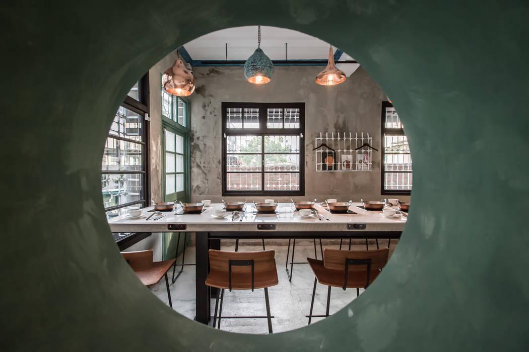 老屋猶新 - 毛房鍋物 The rebirth of an old house - Mao Fun 根據 木介空間設計 MUJIE Design 日式風、東方風