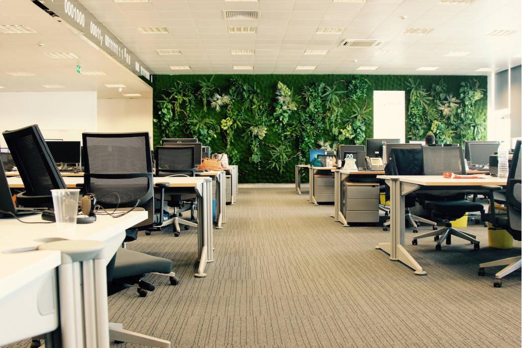 Bangunan Kantor Tropis Oleh Ingarden - Jardins Verticais e Plantas Artificiais Tropis