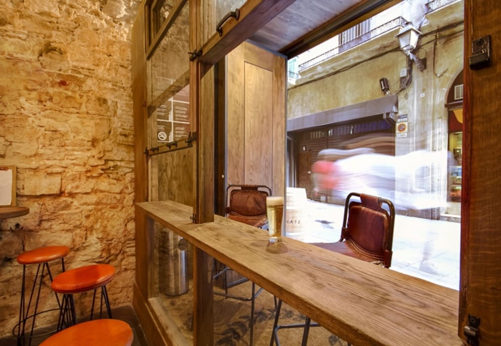 Vermutería Caporal: Bares y Clubs de estilo  de Piedra Papel Tijera Interiorismo,