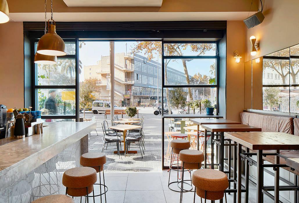 Bars & clubs by Piedra Papel Tijera Interiorismo, Industrial