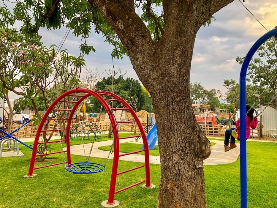 Jardines de Dic Arquitectos Minimalista Hierro/Acero