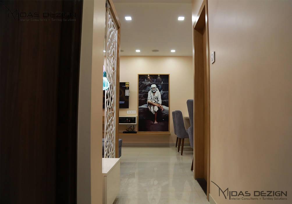 Passage Minimalist corridor, hallway & stairs by Midas Dezign Minimalist