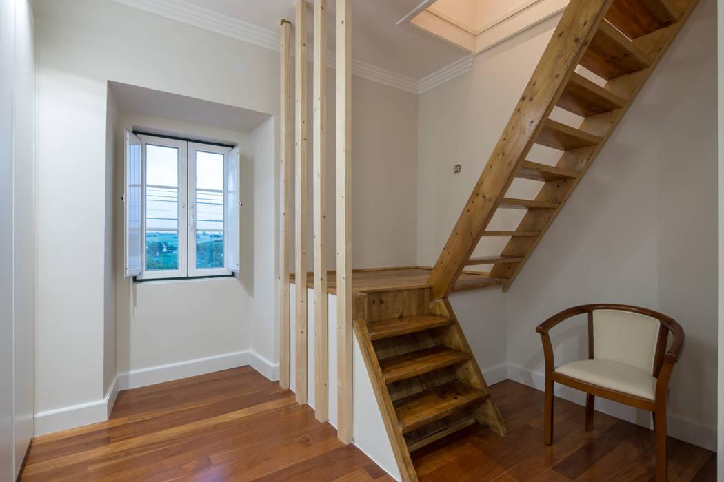 Reconstrução de moradia antiga Atelier d'Maison Escadas