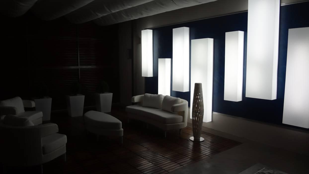 Lámpara Acrílico AUTANA estudio Balcones y terrazas de estilo tropical Plástico Blanco