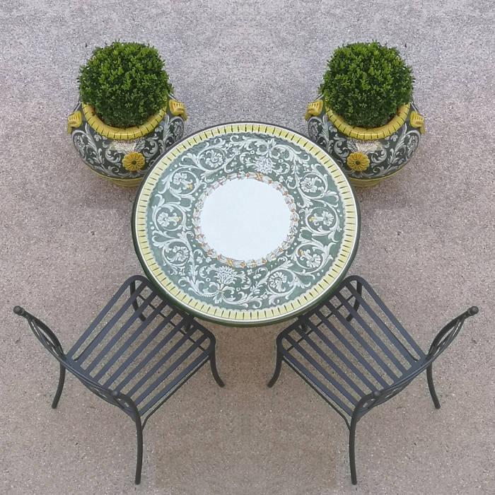 Tavolino tondo + orci collezione Versailles di Villa Dorica Classico Ceramica