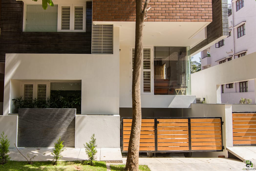 Front elevation by de square Modern
