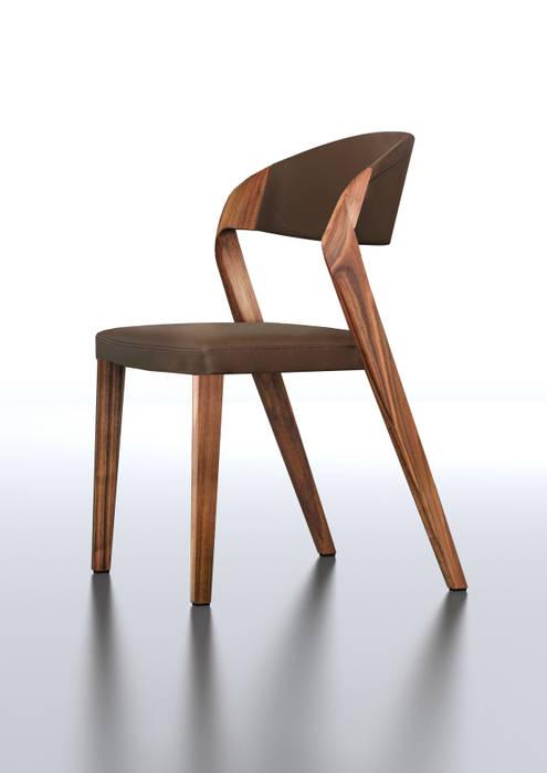 Fauteuil design de Martin Ballendat: Salle à manger de style  par Imagine Outlet