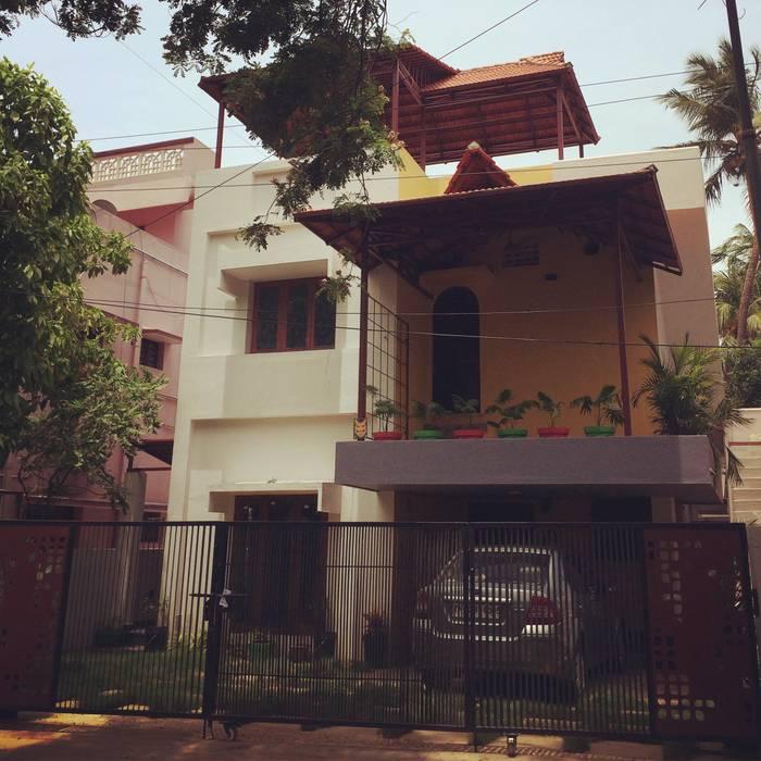 Casas de estilo clásico de The Yellow Ink Studio Clásico