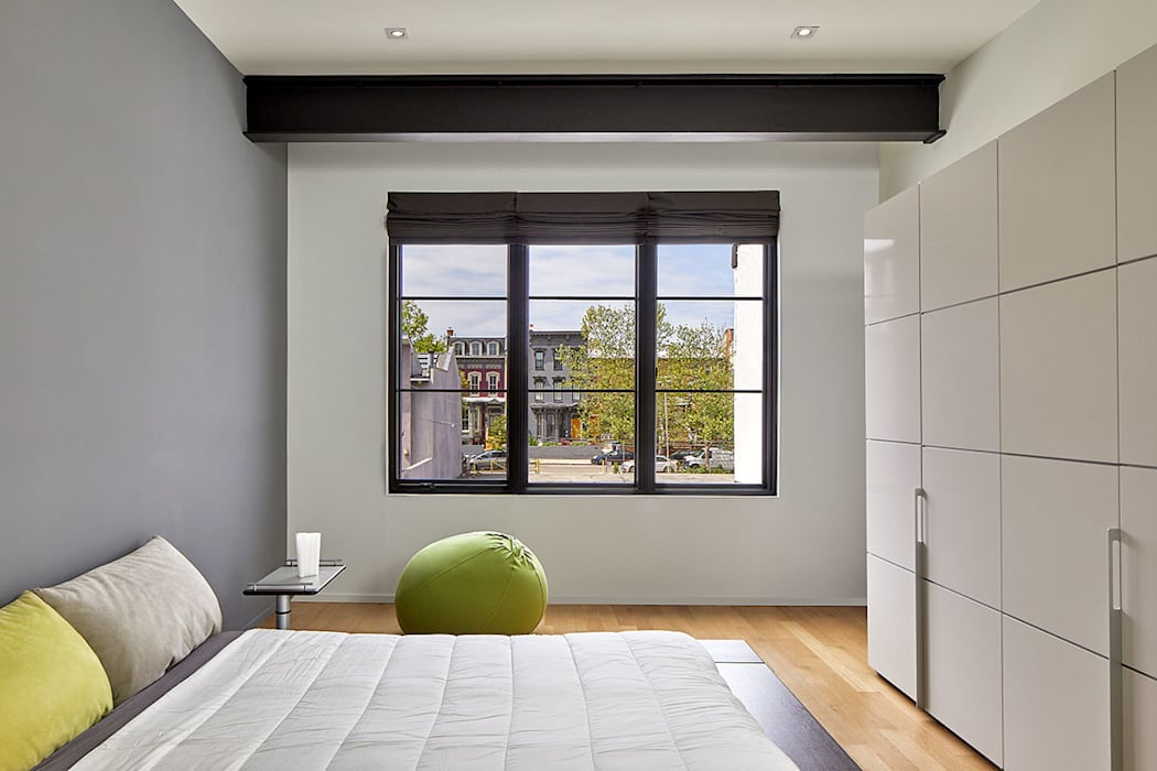 AutoHaus Modern Bedroom by KUBE Architecture Modern