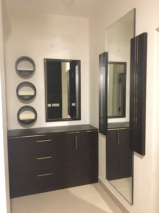 DRESSER D Domain Architects & Interior Designers Modern dressing room