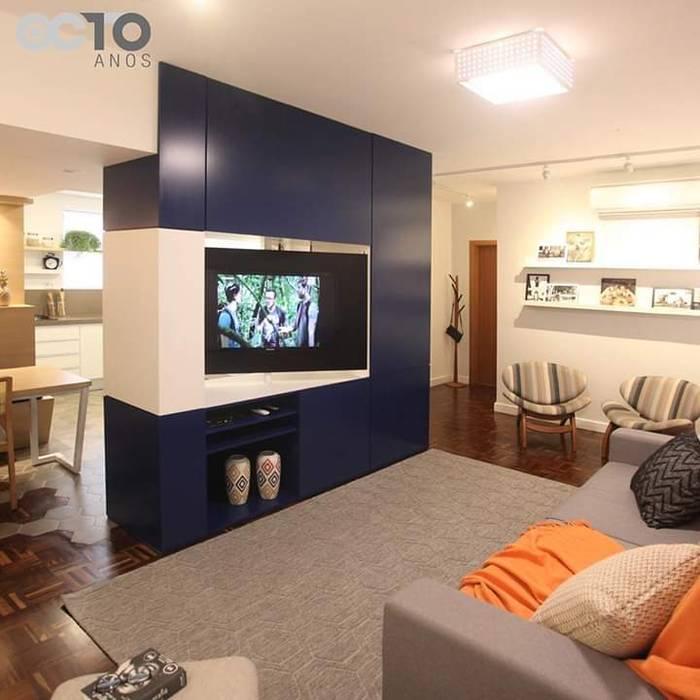 Sala de estar/jantar: Sala de estar  por moveis prisma & moveis bamberg,