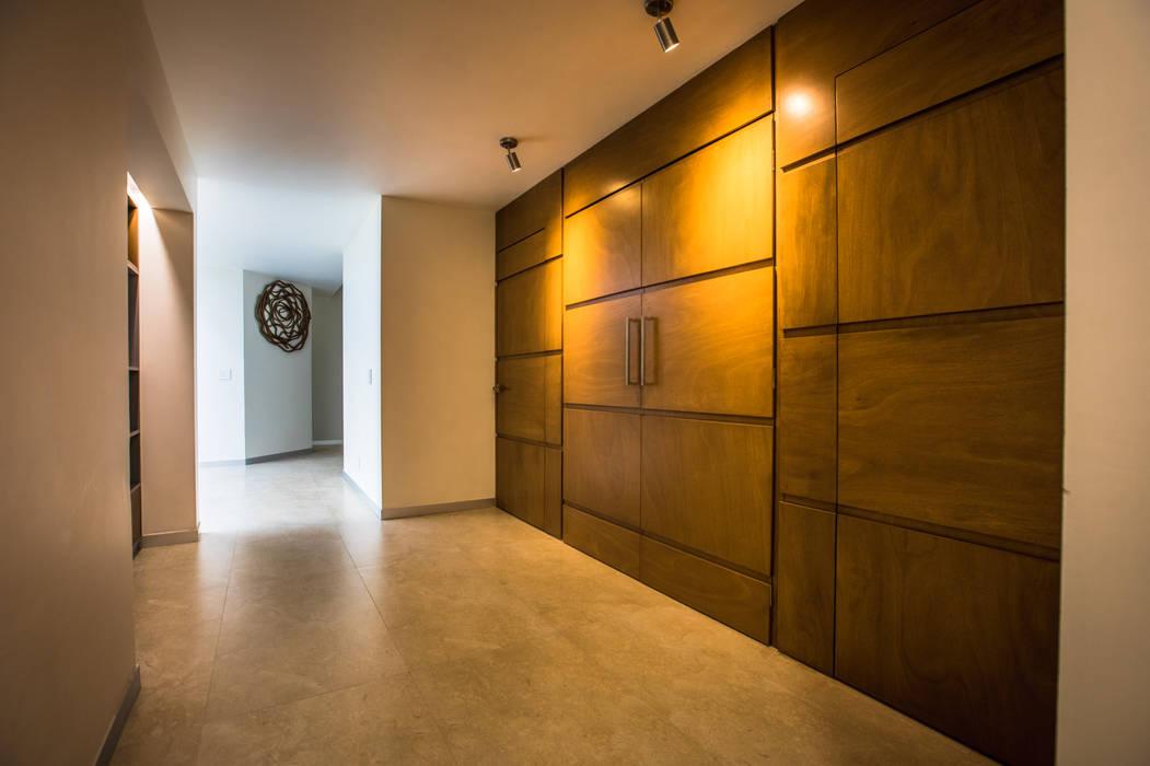Wooden doors توسطAlmadera