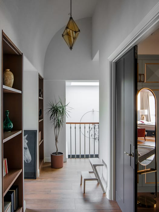 The stairwells Minimalist corridor, hallway & stairs by C&M Media Minimalist