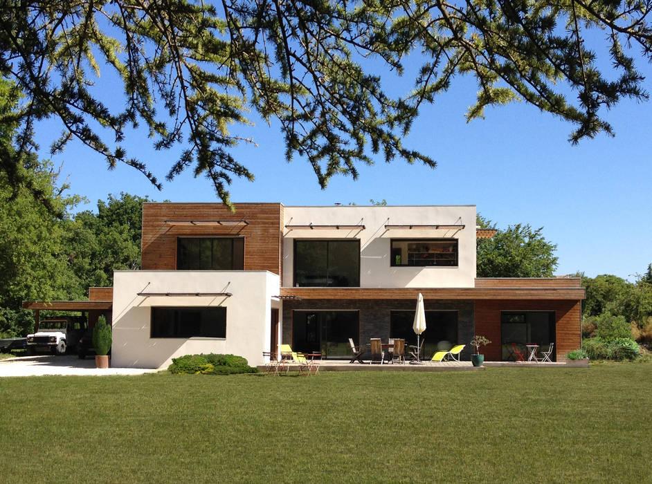 Villa D - Façade sud: Maison individuelle de style  par Endémique Concept - Samuel Fricaud,